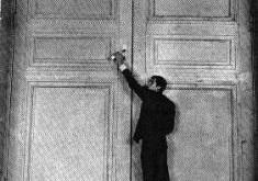 Qapı /Frans Kafka